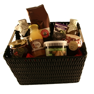 Basket Lunch with bio juice, coffee, marmelade, treacle, chocolates